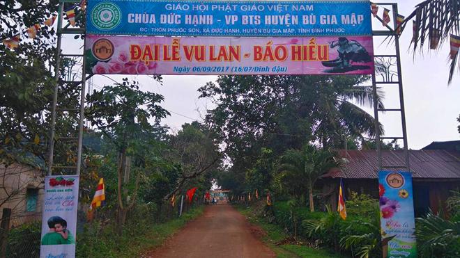 Rước kiệu Phật rằm tháng 7 ở Bình Phước
