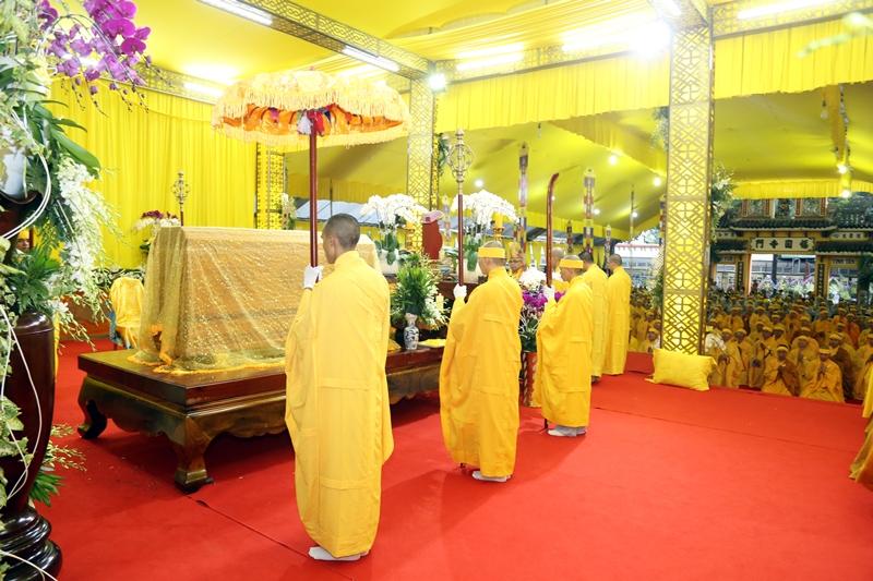 Đồng Nai: Lễ nhập kim quan cố HT.Thích Quang Đạo