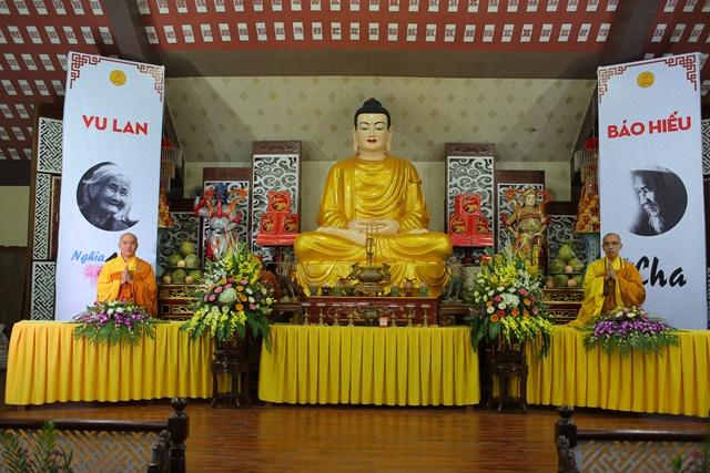 Gần 2000 Phật tử dự lễ Vu lan Chùa Hòa Phúc