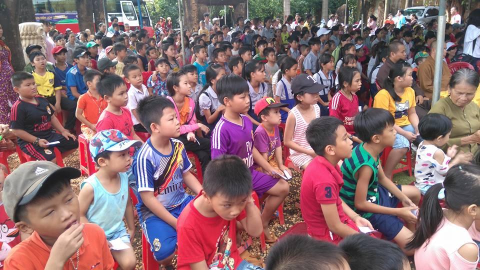 Tết Trung thu 2017 về sớm với các em tại chùa Đức Hạnh