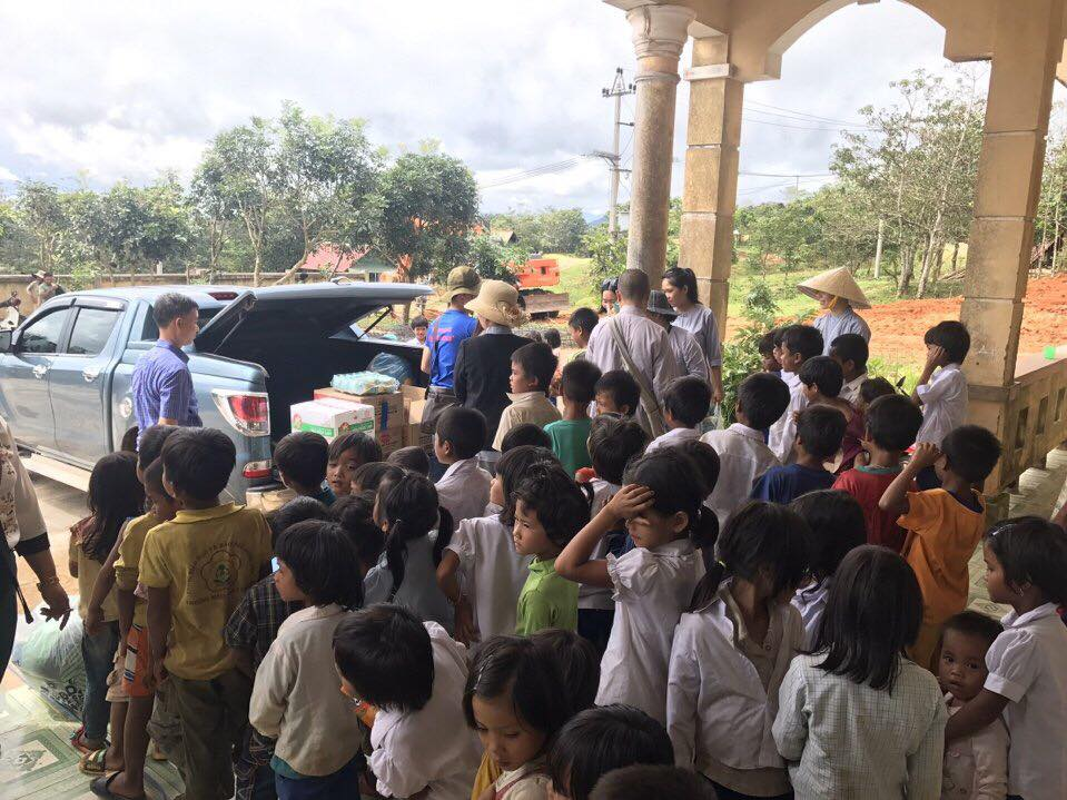 Quảng Trị: Chùa Sơn Thành mang trung thu đến với các em vùng dân tộc