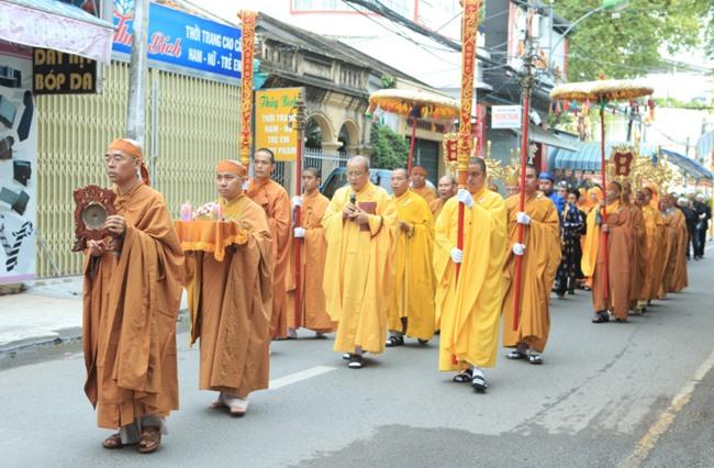 Lễ thỉnh giác linh HT Thích Trí Tâm tham Phật - Yết Tổ