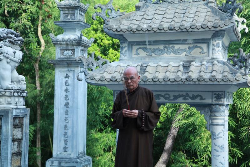 Video: HT Thích Quang Đạo về thăm quê hương Long Hưng - Hải Lăng