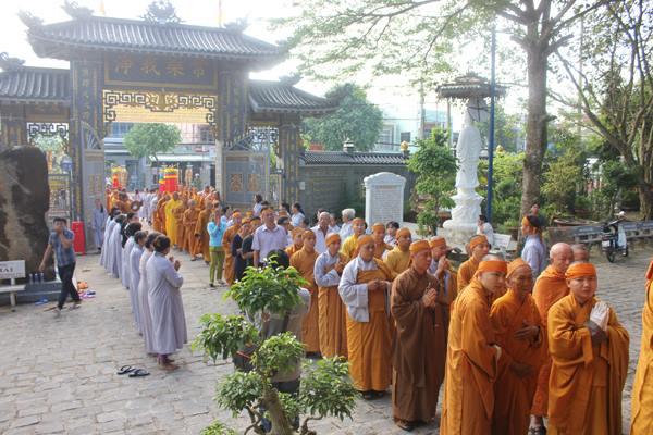 Cung thỉnh linh mô HT Thích Thiện Sanh tham Phật Yết Tổ