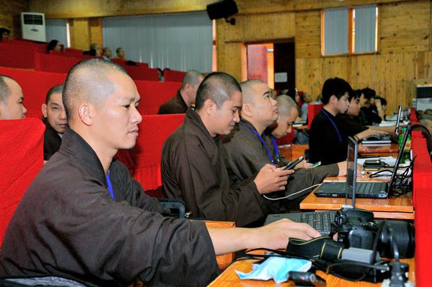 Truyền thông Phật giáo cái nhìn Bát Chánh Đạo