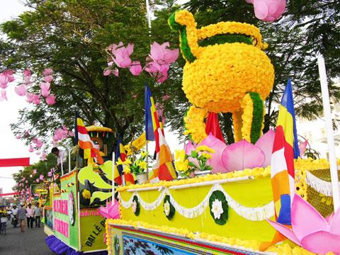 Nguồn gốc diễn hành xe hoa Phật Đản Vesak