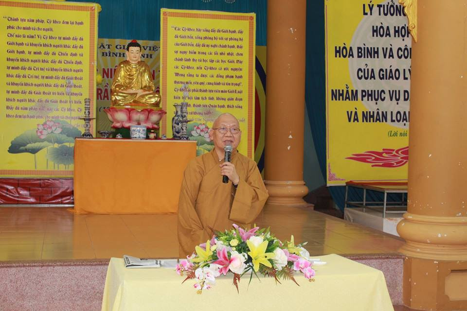 Chủ trì Hội nghị: HT.Thích Nguyên Phước, UV Thường trực HĐTS. GHPGVN, Trưởng Ban Trị sự kiêm Trưởng Ban Tăng sự GHPGVN tỉnh Bình Định.