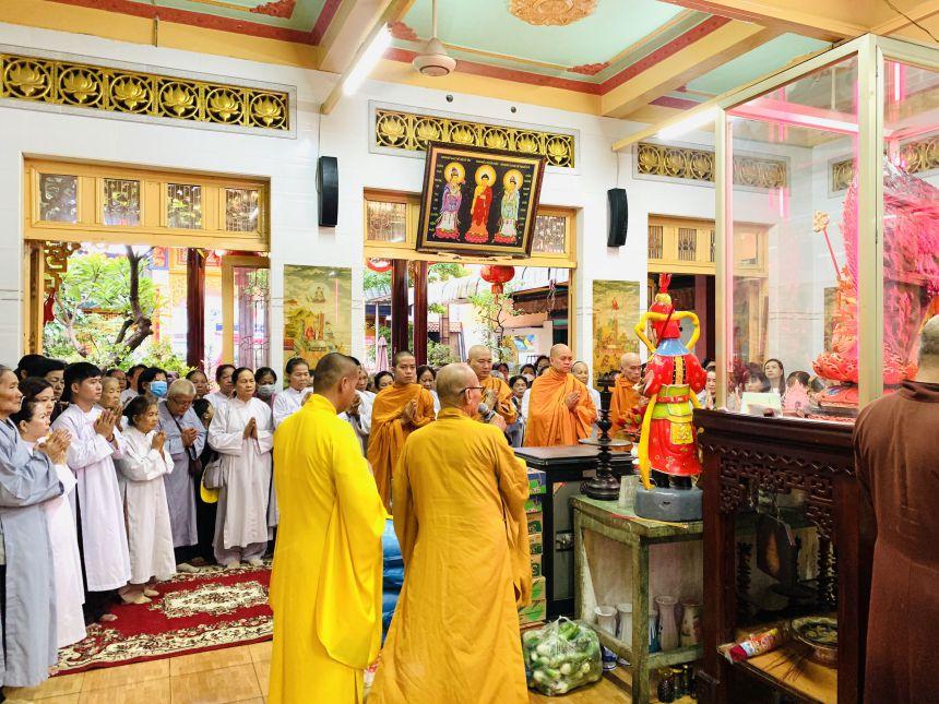 Phật tử cần biết khi hộ độ chư tăng