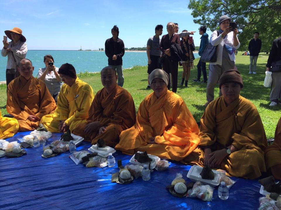 Mỹ: Hình ảnh khất thực hiếm có tại Tp Chicago