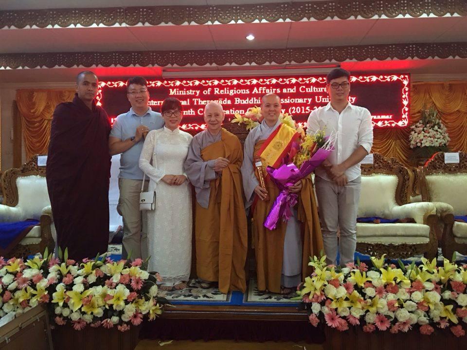 Myanmar: Sư cô Thích nữ Diệu Hiếu nhận bằng tiến sĩ