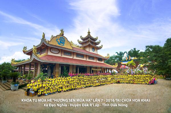 Cảm động hơn 600 tu sinh tu học hè ở chùa Hoa Khai