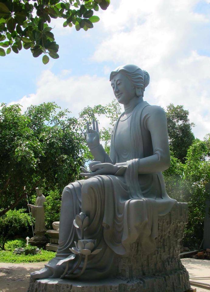 Chiêm ngưỡng tôn tượng Mẹ Hiền Quán Âm của thầy Nhuận Đức