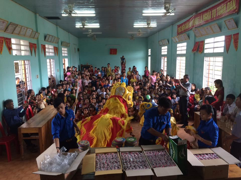 Quảng Trị: 350 phần quà trung thu cùng em tại làng Mai Đàn