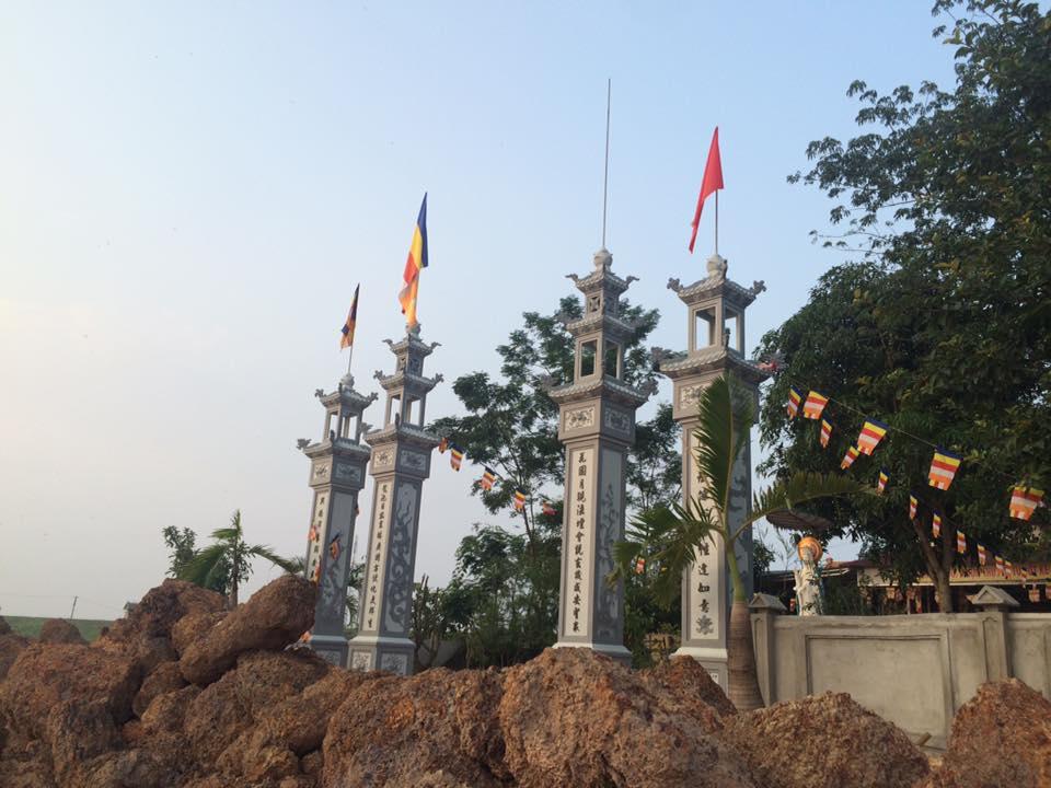 Câu đối chùa Long Hoa huyện Hưng Nguyên