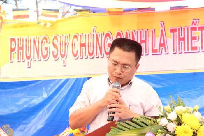 Lê Quang Dần phó chủ tịch UBND huyện Đăk GLong phát biểu chúc mừng