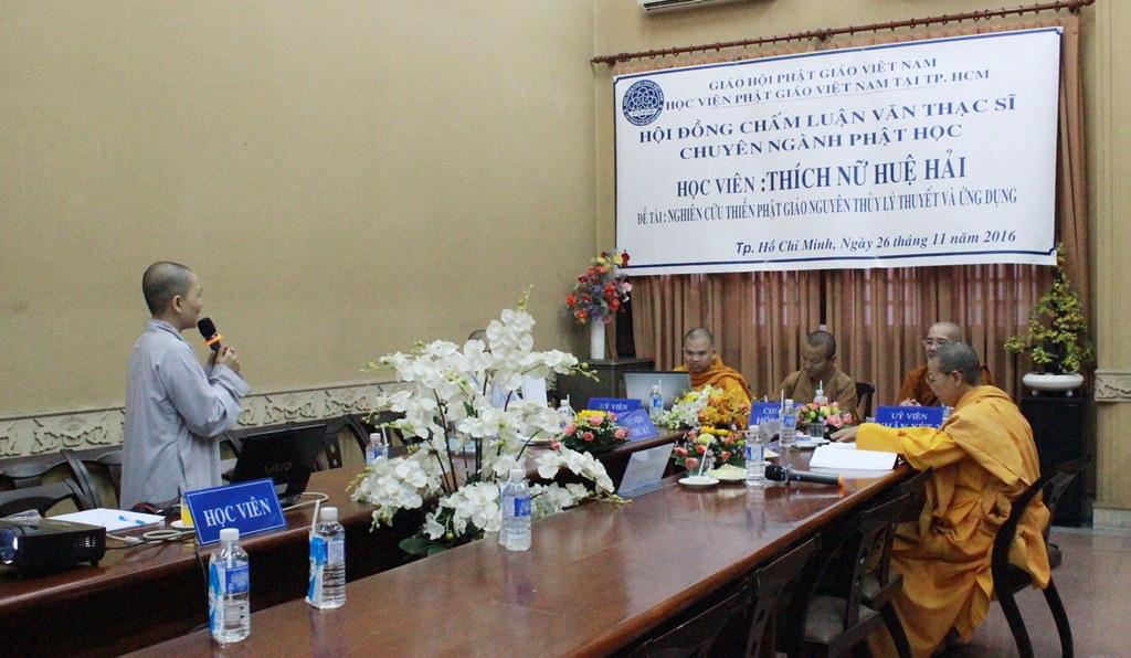Sư cô Thích nữ Đức Tuệ bảo vệ luận văn tại Học viện PGVN TP.HCM