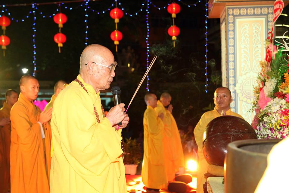 Hàng ngàn người dự lễ vía Phật Di Đà tại Tổ đình Phước Viên