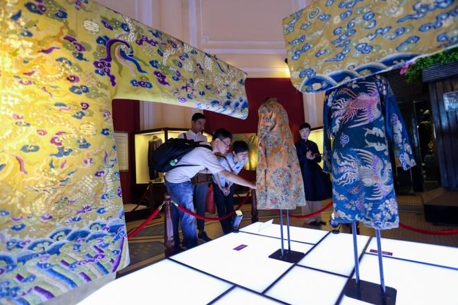 Hoàng bào vật dụng cung đình triều Nguyễn ở Sài Gòn