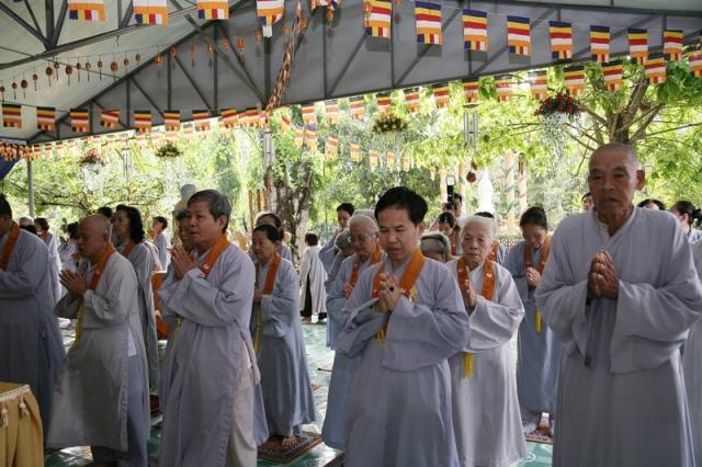 Sài Gòn: Chùa Bửu Châu tổng kết khóa tu niệm Phật năm 2016