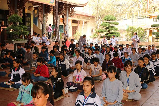 Hà Nội: Khóa tu 'Theo dấu chân Phật lần thứ 5' Chùa Tăng Phúc