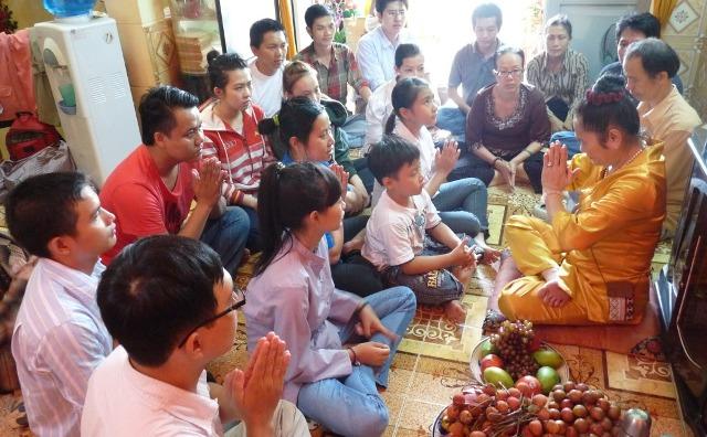 Những hoạt động tín ngưỡng, tôn giáo nào bị pháp luật nghiêm cấm?
