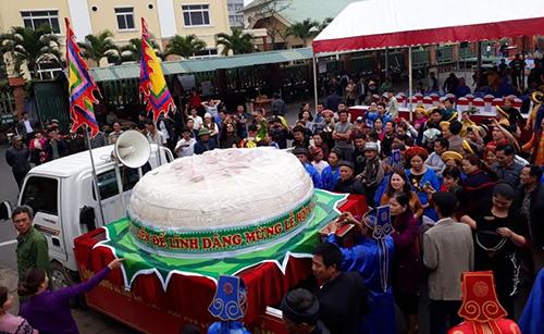 Thanh Hóa: Ngư dân làm bánh dày 2 tấn dâng thần Độc Cước