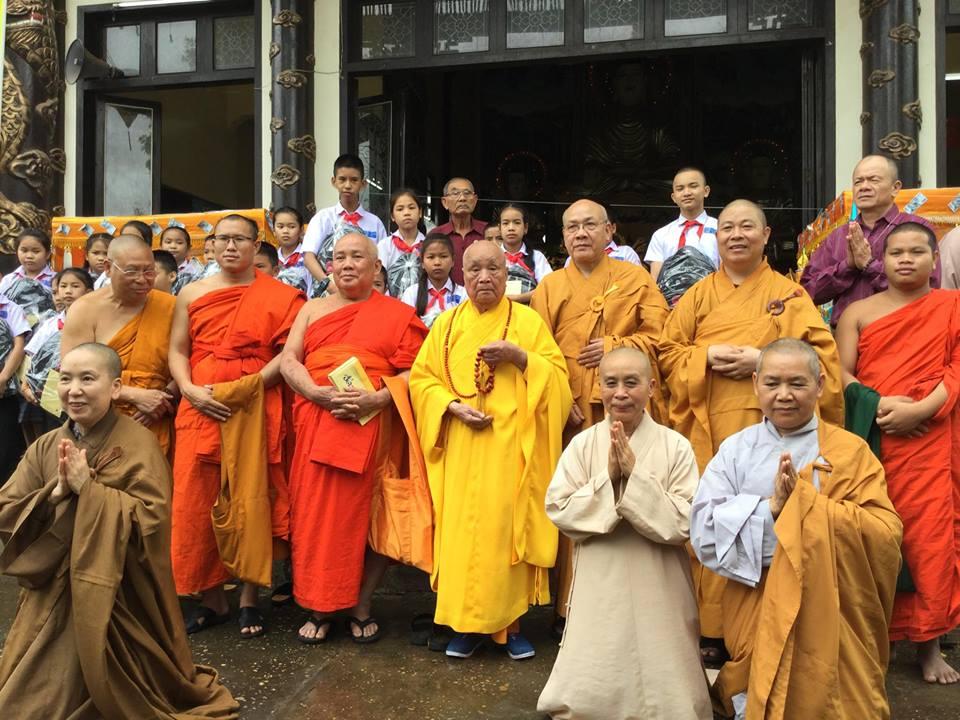 Lào: chùa Bàng Long huý nhật lần thứ 14 HT Thích Trung Quán
