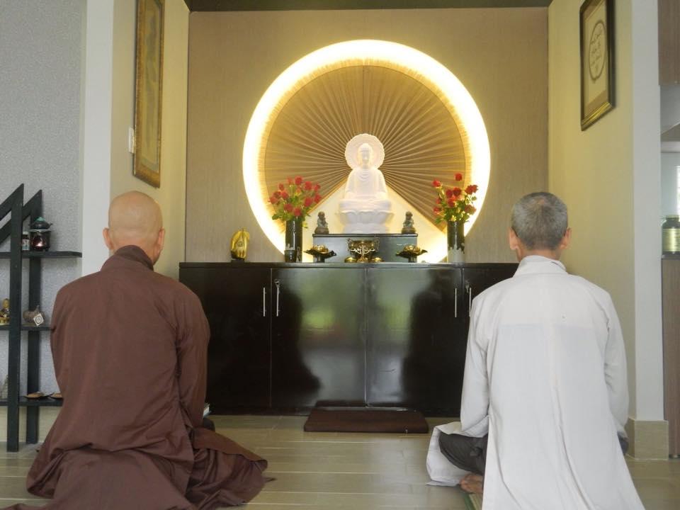 Đạo Phật phát triển hay lụi tàn?