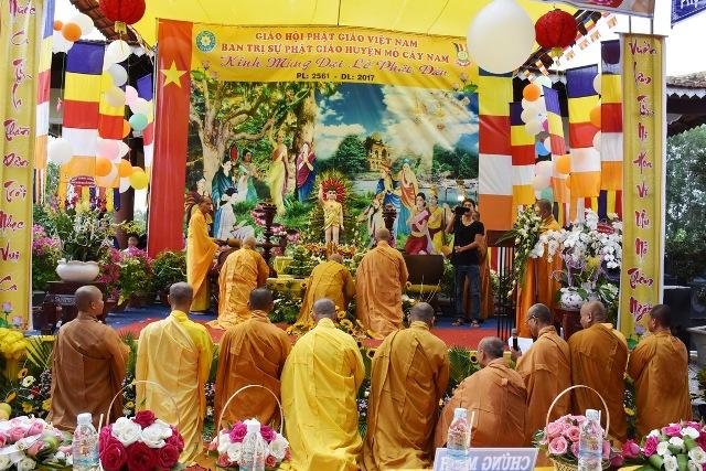 Bến Tre: Chùa Linh Quang mừng Phật Thích Ca đản sanh