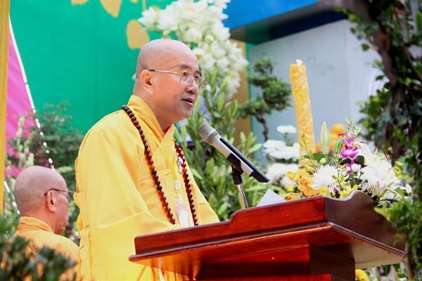 HT. Thích Khế Chơn đọc Diễn văn Phật Đản PL.2561 của Hòa thượng Chủ tịch HĐTS GHPGVN
