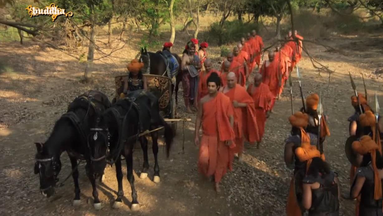 Đức Phật cùng Tăng đoàn thong dong đi đến nước Ma-kiệt-đà